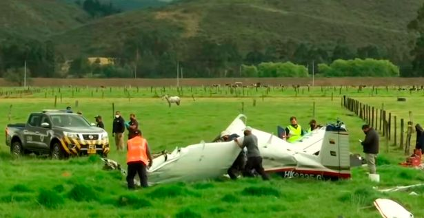 Light aircraft crashed in field