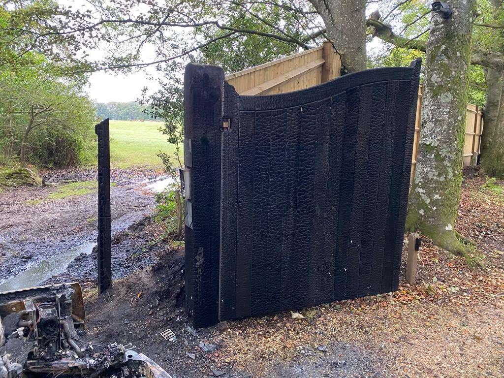 Burnt gates